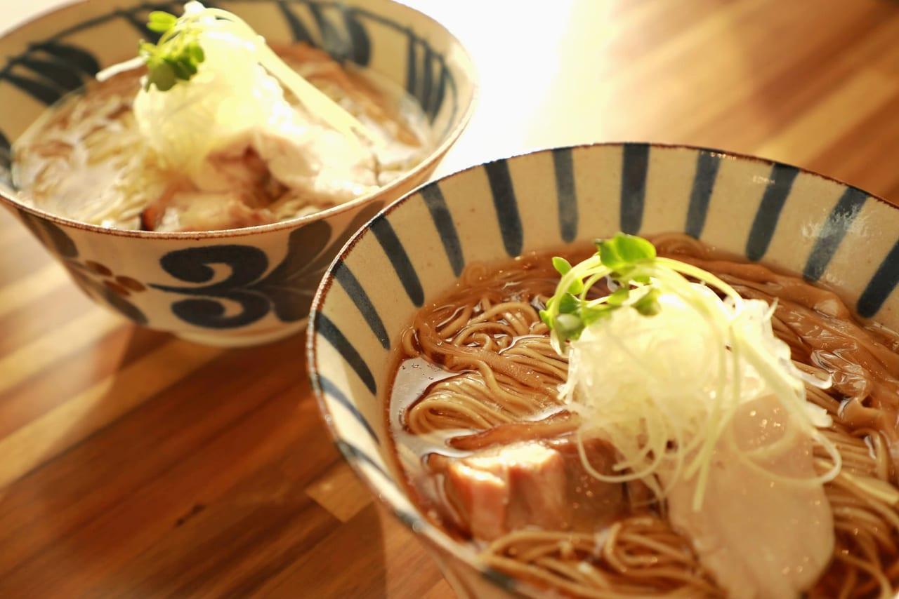 2020年12月10日オープン「麺屋伊とう」は新得地鶏と中札内鶏を使用したスープと十勝産小麦使用の麺が特徴の名店ラーメン写真